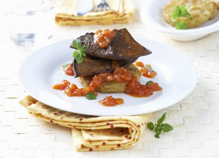 innards: Calfs liver with tomato sauce and r�sti LANG_EVOIMAGES