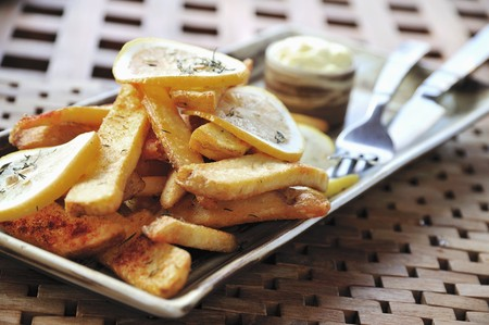 lemon slices: Patate Paese con fette di limone LANG_EVOIMAGES