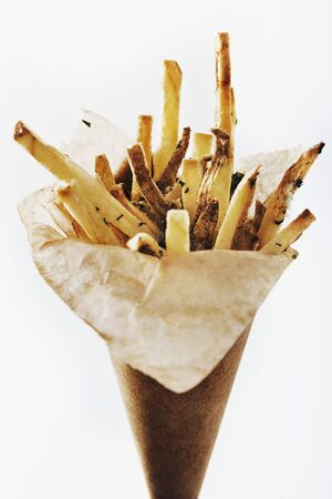 petroselinum sativum: Garlic Parsley French Fries in Paper Cone LANG_EVOIMAGES