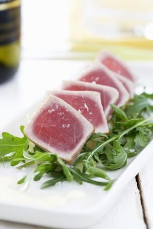 tunafish: Grilled tuna on rocket