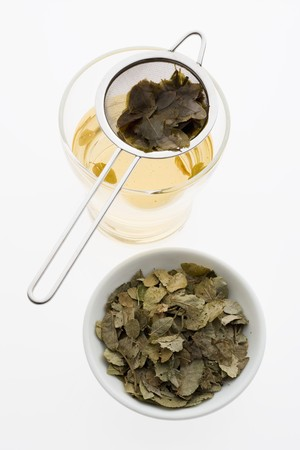 nature cure: Blueberry leaf tea (made with dried blueberry leaves)