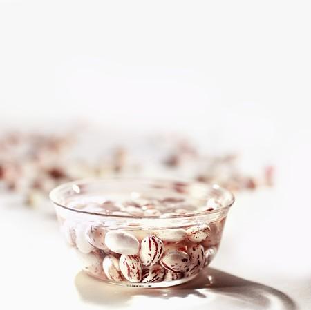 tremp�e: Haricots borlotti tremp� dans un plat en verre