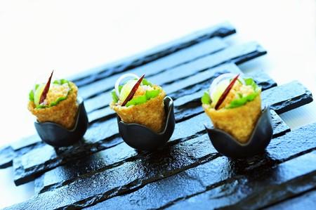 amuse: Duck salad in crispy baskets
