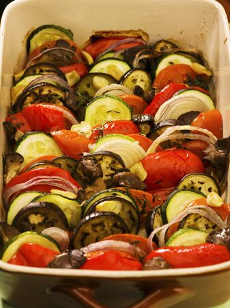cocozelle: Baked vegetables (aubergines, courgettes, onions and peppers) LANG_EVOIMAGES