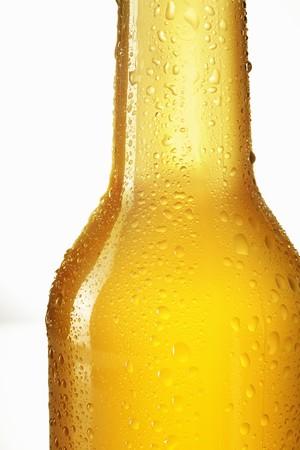 soda pops: Hop lemonade in bottle (close-up)