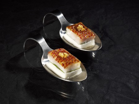 amuse: Red snapper with tahiti vanilla on cool coconut milk LANG_EVOIMAGES