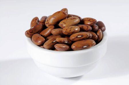 borlotti beans: Borlotti beans in ceramic bowl LANG_EVOIMAGES