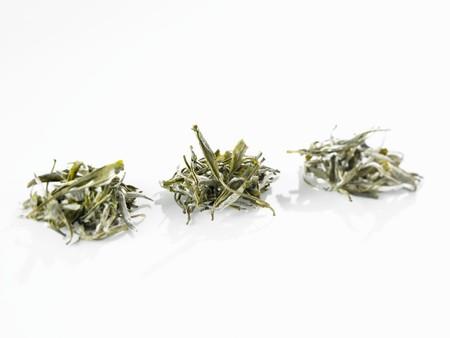 wei�er tee: Wei�er Tee (trockene Teebl�tter)