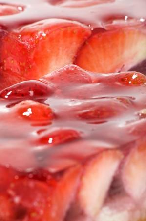 gelatine: Strawberry cake with gelatine (close-up) LANG_EVOIMAGES