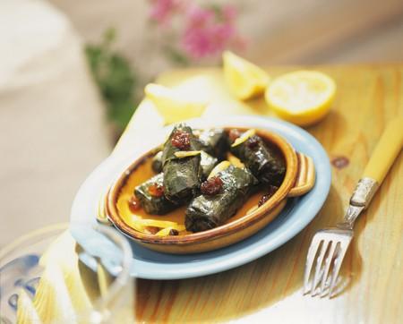 wijnbladeren: Gevulde wijnbladeren met partjes citroen LANG_EVOIMAGES