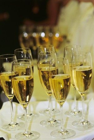 champers: Sparkling wine in glasses