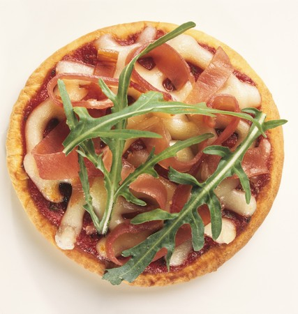 roquette: A small ham and mozzarella pizza with rocket LANG_EVOIMAGES