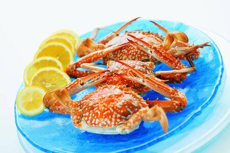 lemon slices: Crabs with lemon slices, Thailand LANG_EVOIMAGES