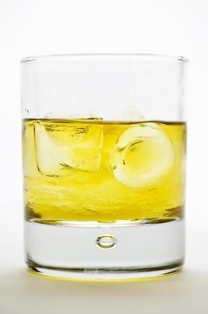 rusty nail: Rusty Nail (c�ctel hecho con whisky y Drambuie)