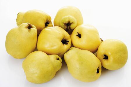quinces: Quinces on white background LANG_EVOIMAGES