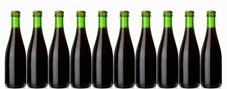 stout: Ten green bottles standing in a row (stout, dark beer) LANG_EVOIMAGES