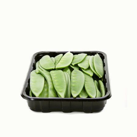 tout: Mangetout in a plastic tray