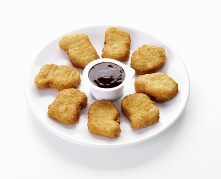 chicken nuggets: Chicken nuggets with dip