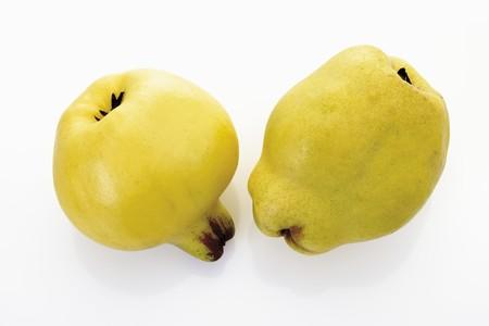 quinces: Two quinces LANG_EVOIMAGES