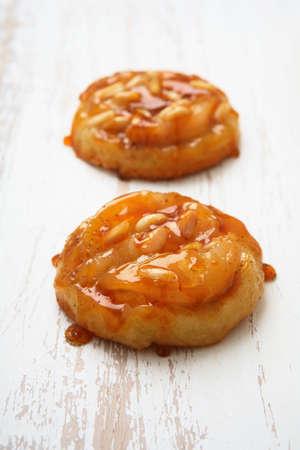 pine kernels: Pear and ginger Tarte Tatins LANG_EVOIMAGES