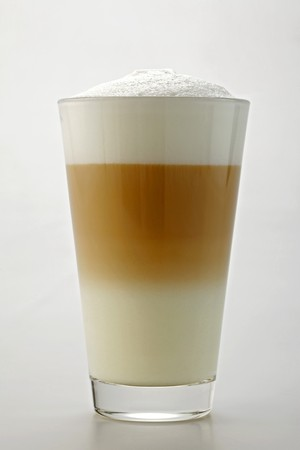 hot coffees: A glass of caff� latte