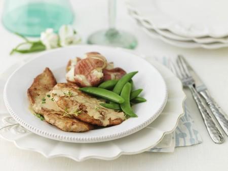 tout: Veal escalope with mange tout LANG_EVOIMAGES