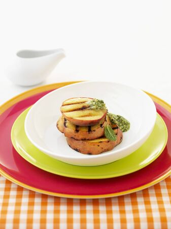 barbecues: Grilled peaches with herb sauce