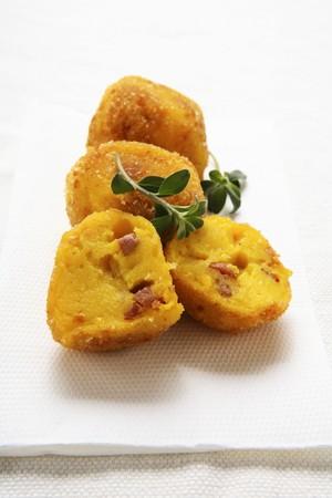 pancetta cubetti: Crocchette di patate con pancetta