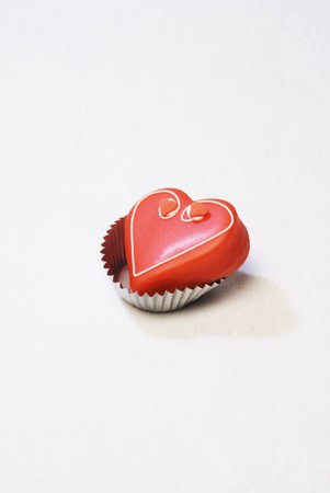 petit: Petit four (red heart)