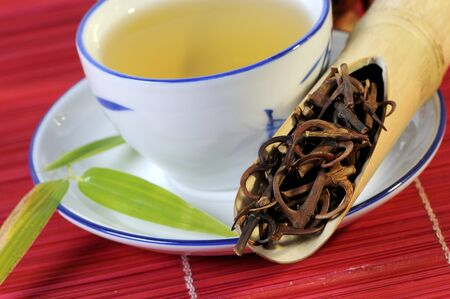 nature cure: Uncaria twigs and thorns with a cup of tea LANG_EVOIMAGES
