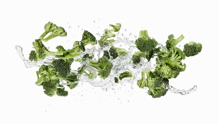 washed out: Broccoli and a splash of water
