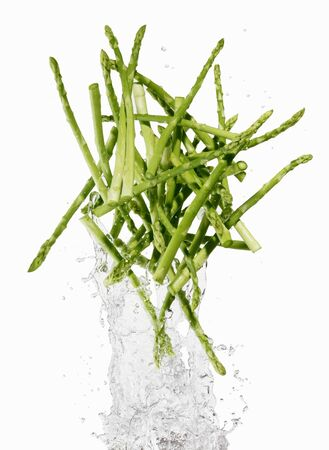 squirted: Green asparagus with a water splash LANG_EVOIMAGES