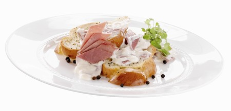 topped: Bread Topped with Chipped Beef and Gravy LANG_EVOIMAGES