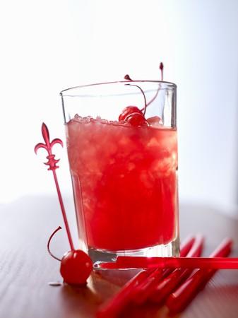 jugo de frutas: 'Zombie' (c�ctel) con jugo de ron y frutas