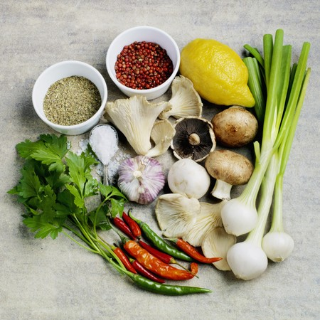 petroselinum sativum: Ingredients for a mushroom dish