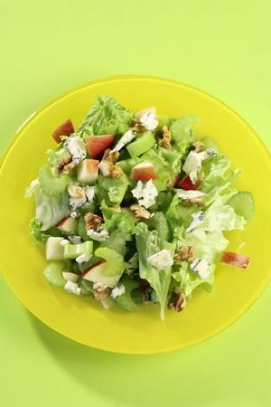 escarola: Escarola y ensalada de manzana con roquefort y nueces