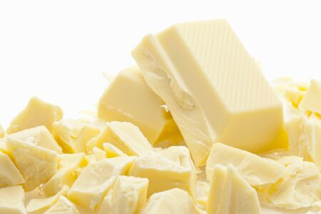white chocolate: Chopped white chocolate LANG_EVOIMAGES