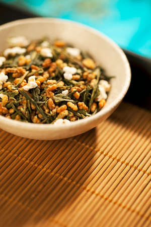 gen: Gen Mai Cha Loose Green Tea on Bamboo Tray LANG_EVOIMAGES