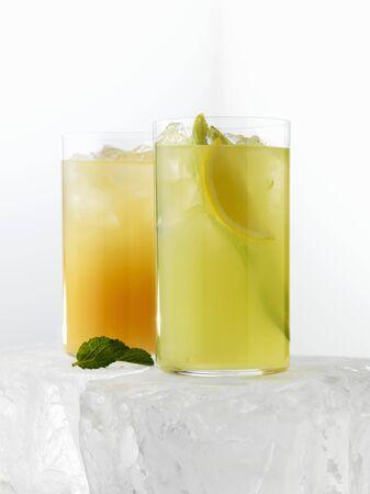 fruit drinks: Two citrus fruit drinks LANG_EVOIMAGES