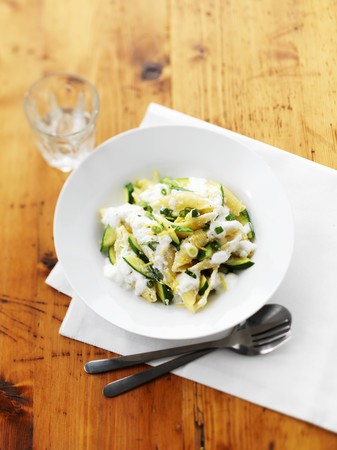 cocozelle: Shell pasta with courgettes LANG_EVOIMAGES