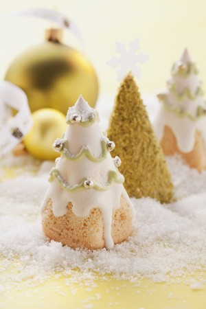 dragees: Christmas tree-shaped biscuits LANG_EVOIMAGES