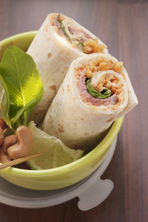 tupperware: Roast beef wraps in a lunch box