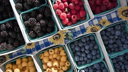 brambleberries: Pints of Fresh Berries at a Farmers Market LANG_EVOIMAGES