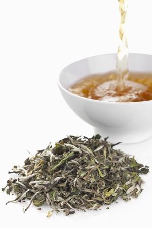 wei�er tee: Wei�er Tee (Bl�tter und Getr�nk)