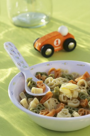 childrens meal: A colourful bowl of pasta (childrens meal)
