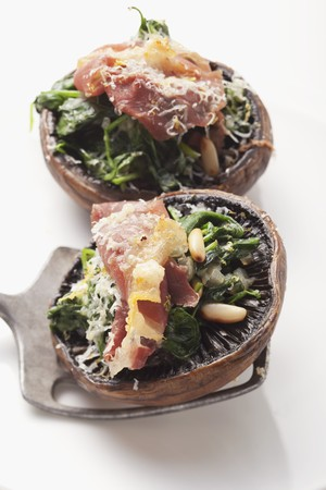 giant mushroom: Portobello mushrooms with spinach and ham stuffing