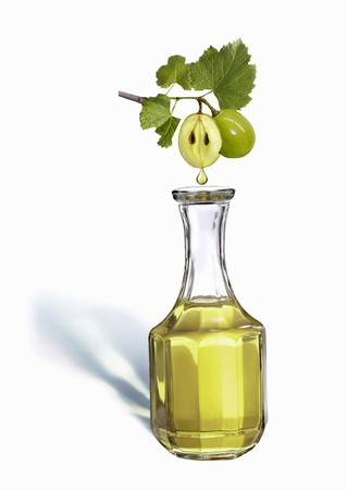 grape seed: Grape seed oil LANG_EVOIMAGES