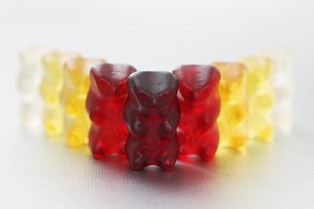 gummi: Una fila di orsetti gommosi