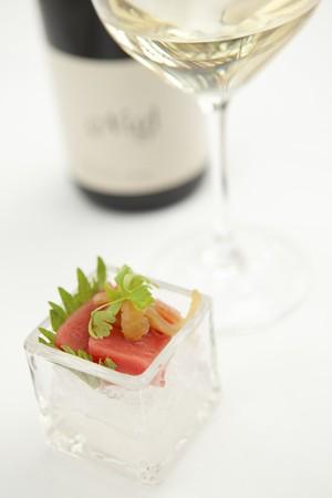 tunafish: Tuna sashimi