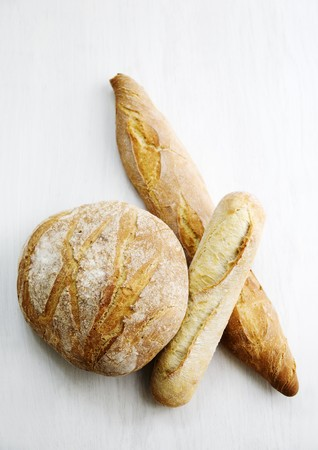 french bread boule: Boule, Ficelle und Baguette (French white bread) LANG_EVOIMAGES